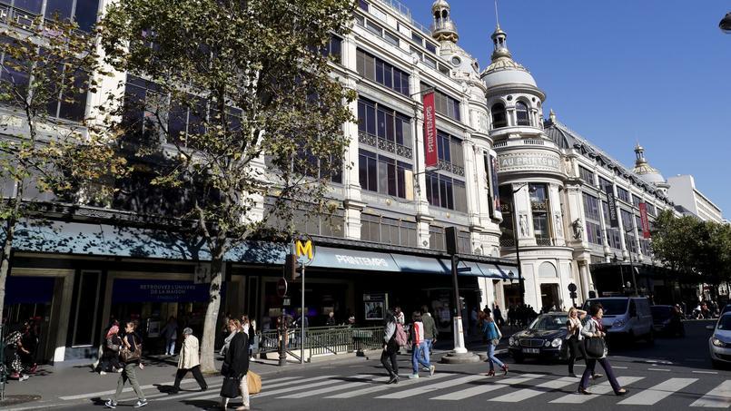Deux des trois bâtiments parisiens du Printemps, classés monuments historiques. Le site accueille chaque année plus de 20 millions de visiteurs.