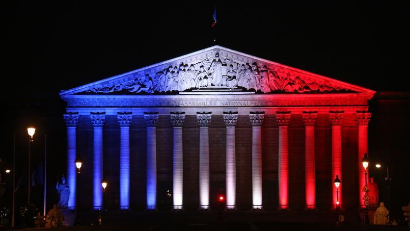 Macron vers une majorité sans partage — Législatives
