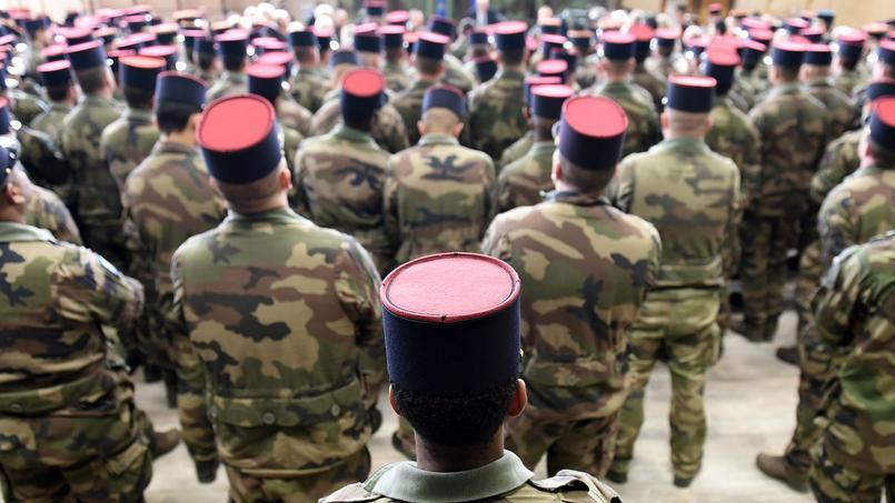 «Nous faisons de ce rapport une sorte d'adresse au chef des armées», explique Jean-Pierre Raffarin, en soulignant la «nouvelle donne politique» incarnée par l'élection d'Emmanuel Macron. (Photo d'illustration)