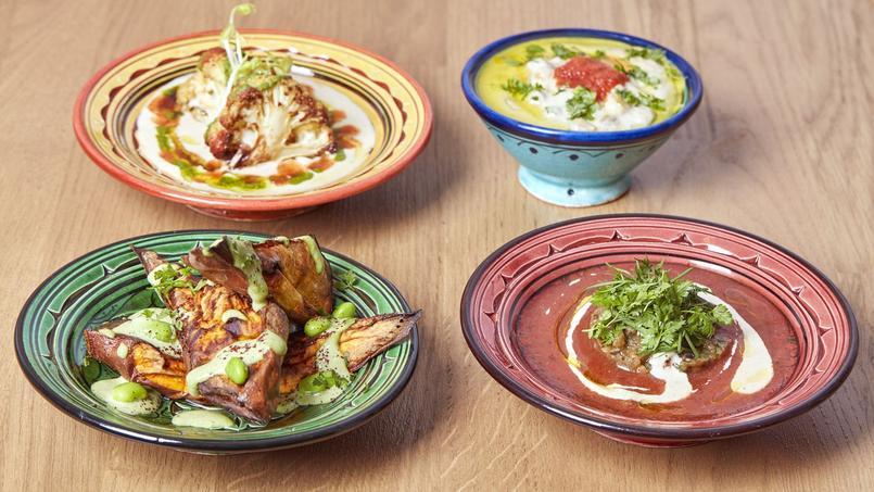 Les savoureux mezze servis dans une jolie vaisselle marocaine chezTavline (Paris IVe).