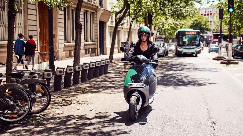 Les scooters électriques de chez COUP sont Gogoro taïwanais. Ils sont plaisants à conduire et d'une grande facilité d'utilisation en raison de leur gabarit contenu et d'une faible hauteur de selle.