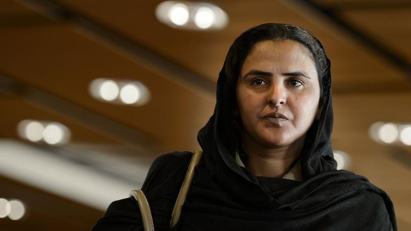 Mukhtar Mai, victime de viol en réunion, a décidé de poursuivre en justice ses agresseurs, aujourd'hui en liberté.