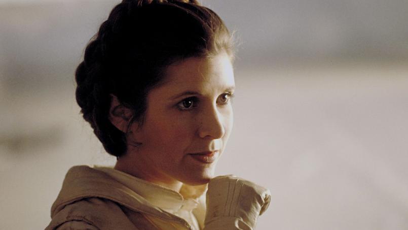 Fille de l'actrice Debbie Reynolds, Carrie Fisher était devenue célèbre en incarnant l'inoubliable princesse Leia dans la trilogie originale de Star Wars réalisée par George Lucas.