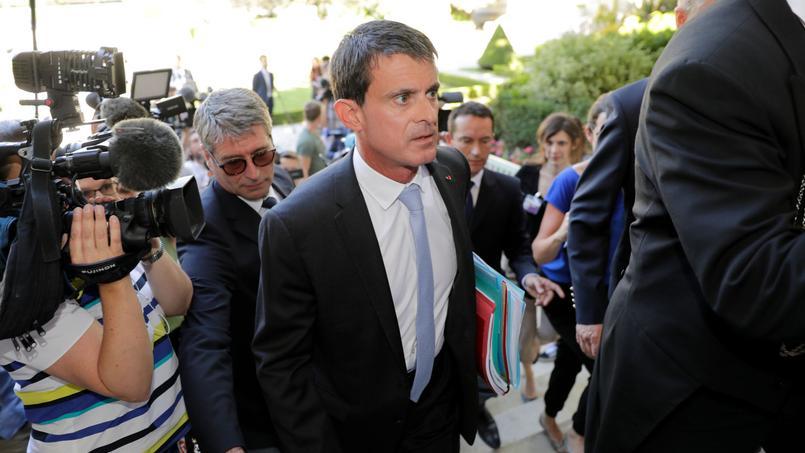 Farida Amrani conteste l'élection de Manuel Valls.