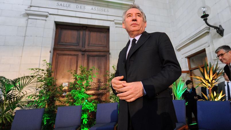 Un témoignage accablant pour Bayrou — Assistants parlementaires MoDem