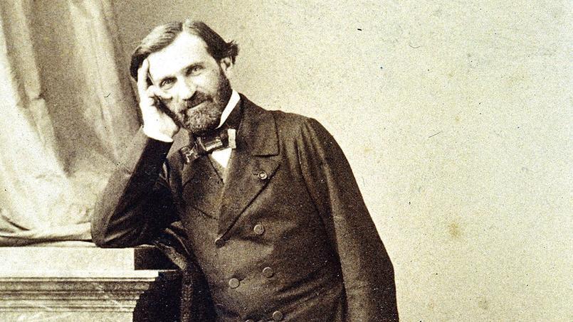 Giuseppe Verdi photographié à Paris dans l'atelier d'André Adolphe Eugène Disdéri, vers 1855-1857.