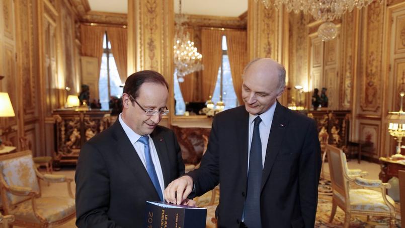 La Cour des comptes étrille la gestion de François Hollande