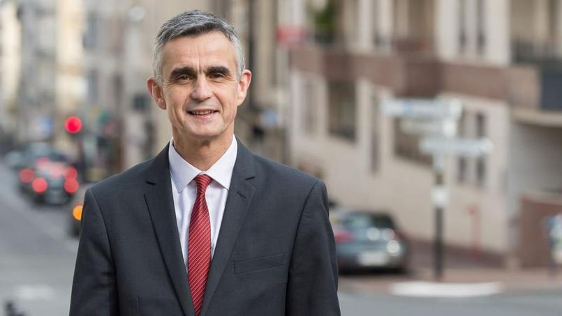 Bertrand Soubelet: «On ne peut pas lutter contre le terrorisme en diminuant de 850 millionsle budget des Armées»