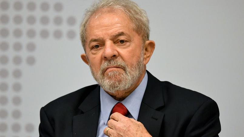 Brésil : l'ancien président Lula condamné à 9 ans et demi de prison