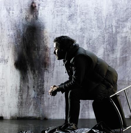 Yohan Macan joue et met en scène le personnage de Mohamed Merah dans la pièce «Moi, la mort, je l'aime, comme vous aimez la vie».