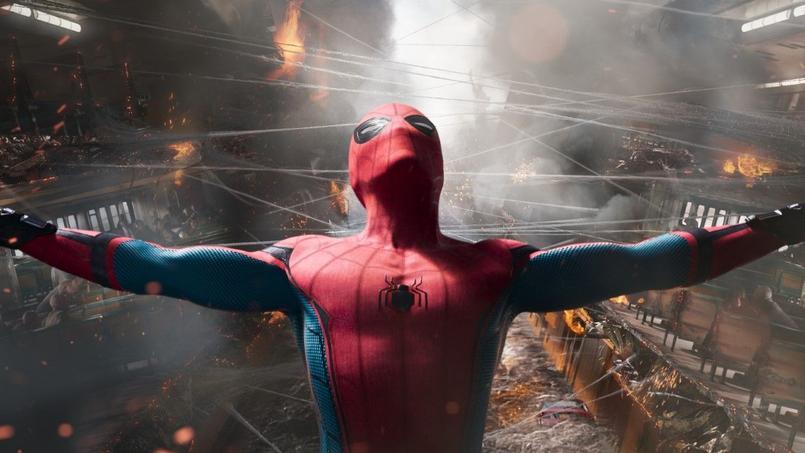Dans ce reboot, on redécouvre Spiderman en adolescent drôle et attachant, qui joue la carte «héros de proximité».