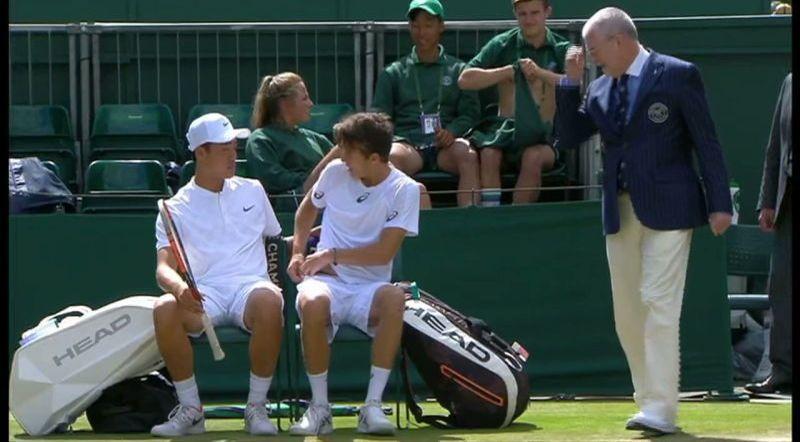 Un officiel force deux joueurs à changer de sous-vêtements — Wimbledon