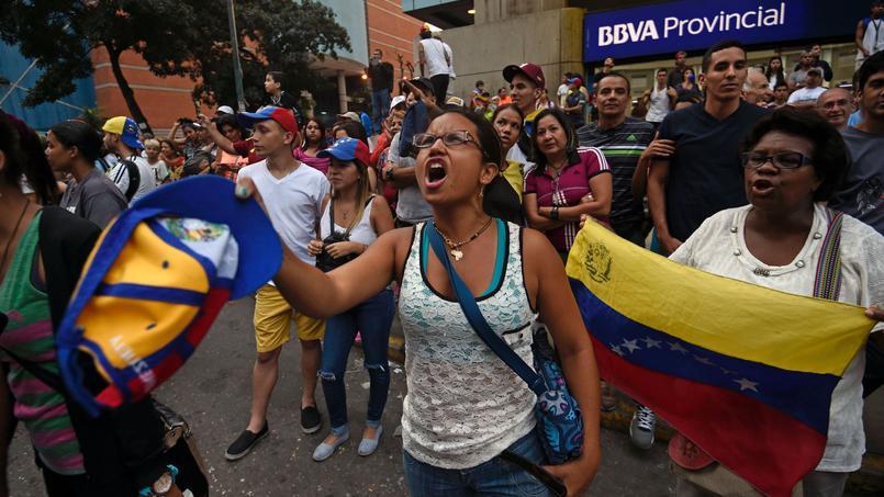 Des millions de personnes sont sorties dans les rues de Caracas dimanche pour manifester contre le président Maduro.