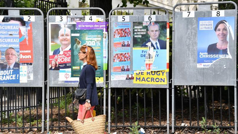 Des affiches pendant la campagne des législatives, le 4 juin 2017 à Nantes.