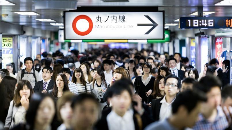Le métro de Tokyo durant les heures de pointe. Crédit: Filipe Frazao