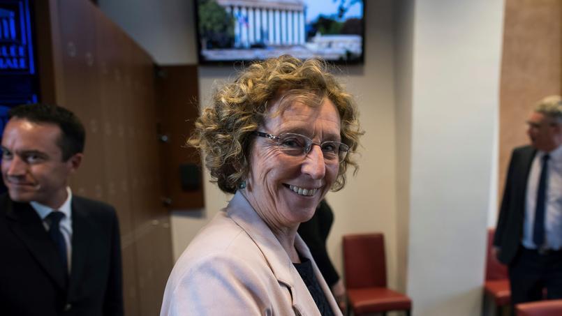 La ministre du Travail face aux accusations dans l'affaire Danone — France