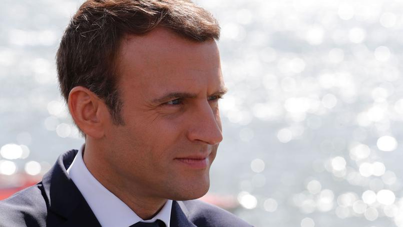 Chute d'Emmanuel Macron dans les sondages, d'une ampleur quasi inédite