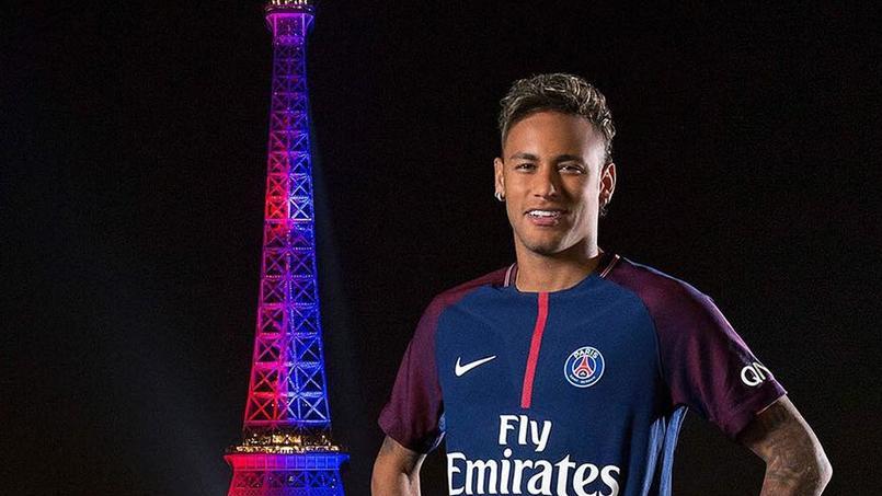 Neymar «ébloui» par l'hommage de la Tour Eiffel