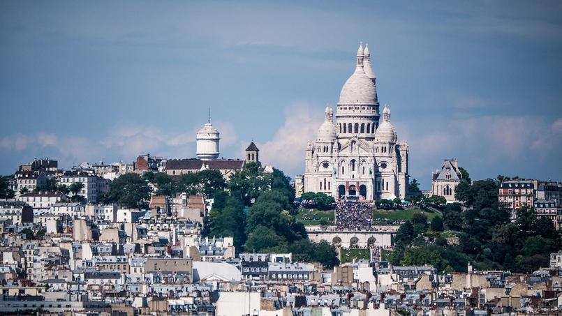 La colline de Montmartre et la basilique du Sacré-Cœur d'où l'on peut admirer le panorama sur la capitale.