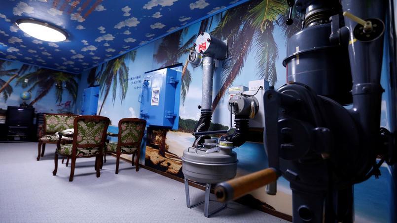 Un modèle de refuge anti-nucléaire dans le sous-sol de l'entreprise de Seiichiro Nishimoto, à Osaka au Japon.