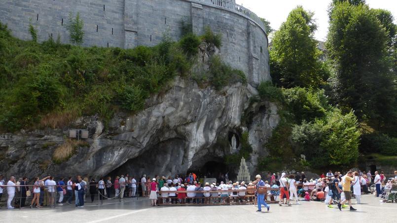 France: 25.000 pèlerins à Lourdes, sous haute surveillance