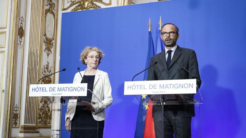 Pôle emploi suspend les prescriptions de contrats aidés — Île-de-France