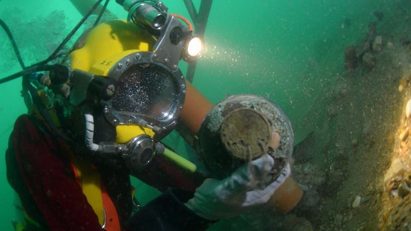 Des plongeurs-archéologues ont annoncé vendredi avoir commencé à explorer l'épave d'un bateau néerlandais, échoué en 1740.