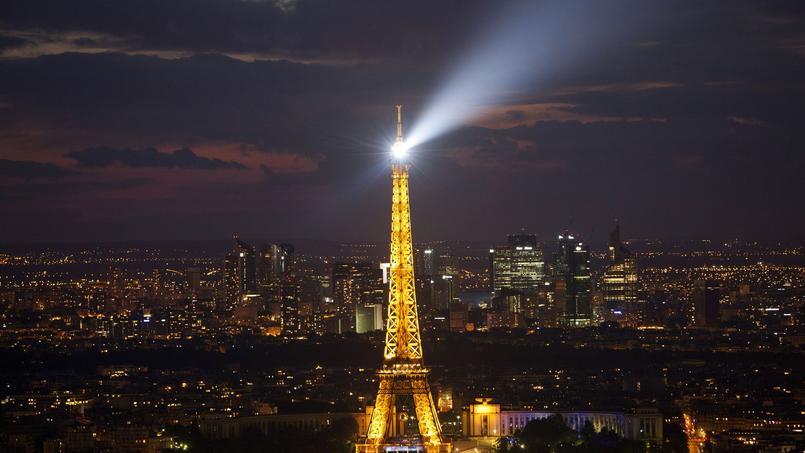 Le phare de la Tour Eiffel à l'arrêt jusqu'au mois d'octobre