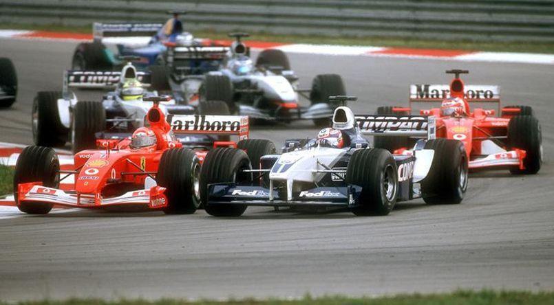 La Ferrari rouge F2001 de Michael Shumacher lors du Grand prix F1 de Kuala Lumpur en 2002