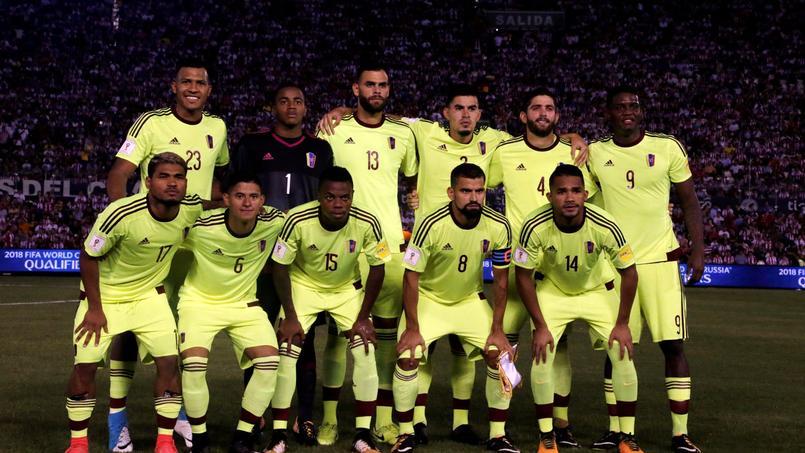 L'équipe du Venezuela avant leur rencontre face au Paraguay, lundi soir.