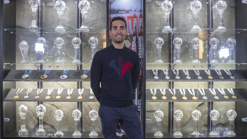 Martin Fourcade inaugure sa nouvelle vitrine de trophées