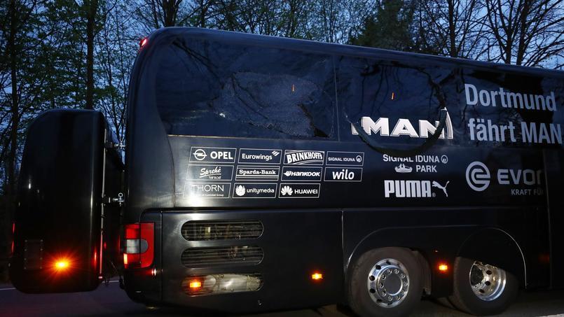 Le bus du Borussia Dortmund attaqué le soir de la rencontre face à l'AS Monaco.