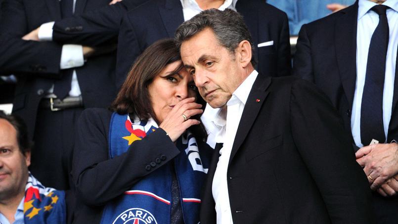 Nicolas Sarkozy au côté d'Anne Hidalgo en mai 2015 lors de PSG-Reims.