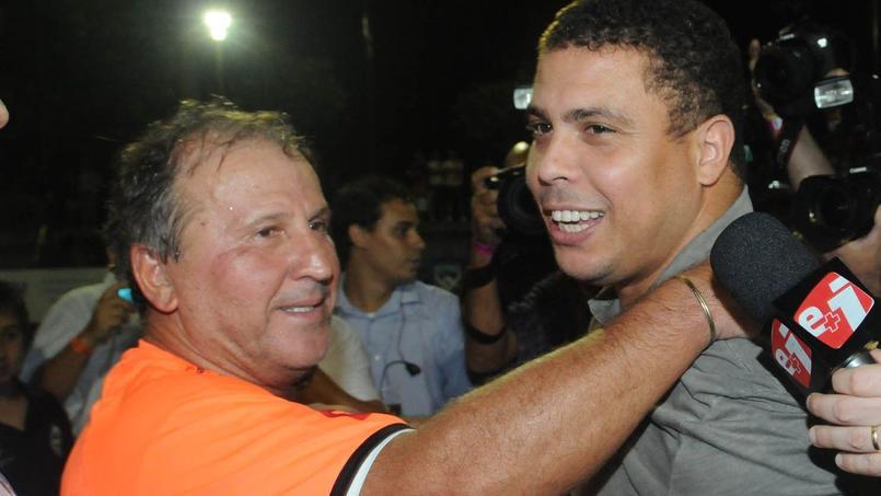 Ronaldo et Zico à l'inauguration du centre de formation de Zico en 2011.