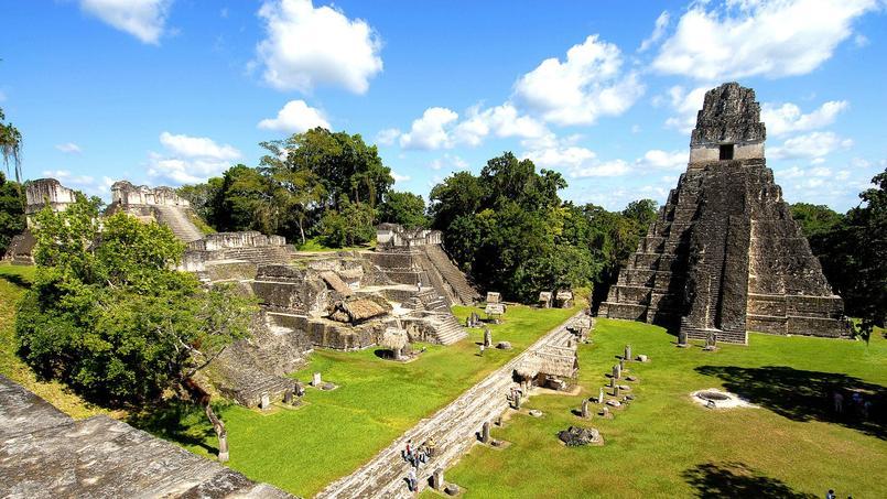 Une cité maya découverte sous la jungle abondante au nord du Guatemala