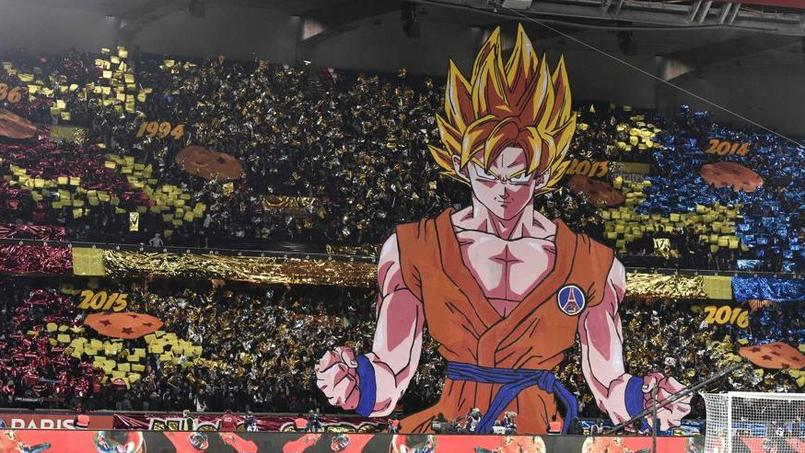 Les tribunes du Parc des Princes en mode Dragon Ball