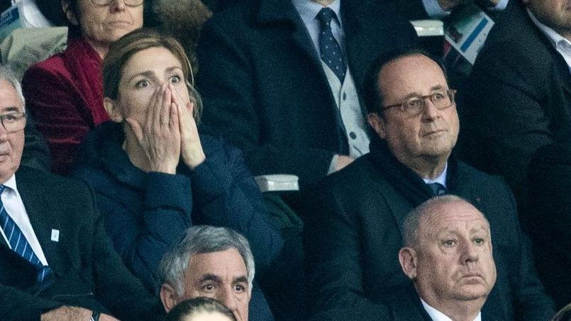 Julie Gayet au côté de son compagnon François Hollande.