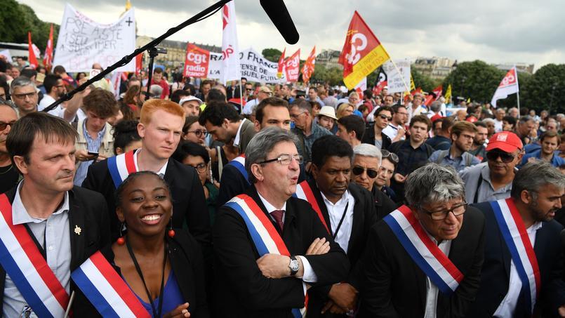 Comment La France insoumise veut souffler la première bougie du quinquennat Macron