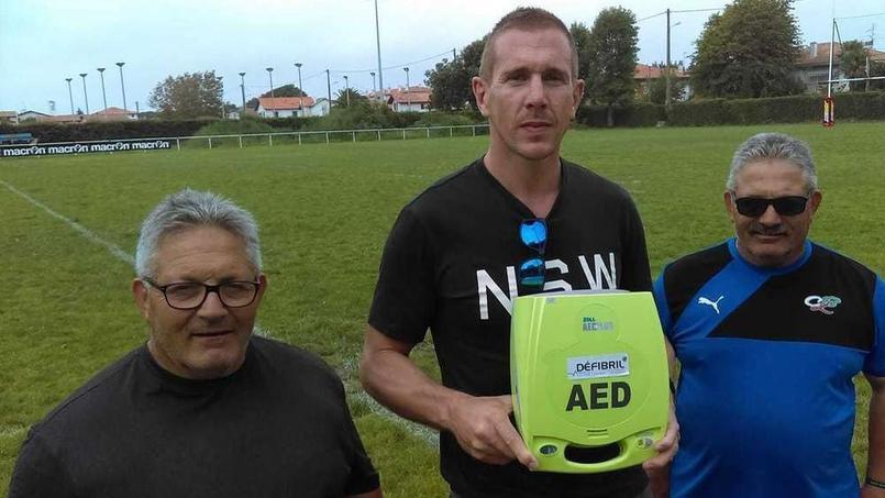 Un rugbyman vétéran tyrossais sauvé par un défibrillateur tout neuf à Dax