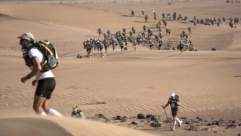 Le Marathon des Sables est une course à pied de 250 km environ dans le désert marocain.
