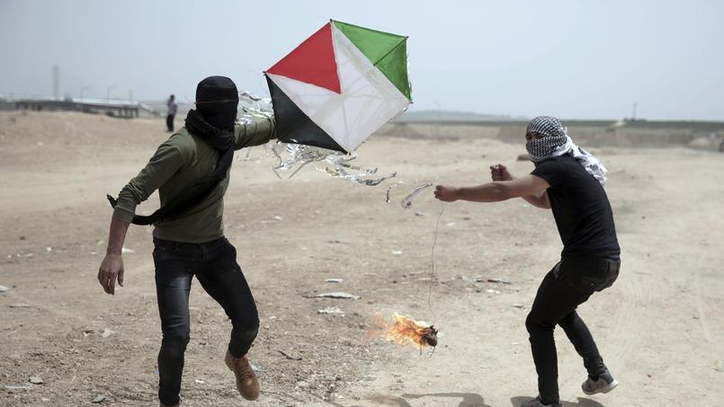 Gaza : face aux snipers israéliens, les Palestiniens utilisent des cerfs-volants piégés