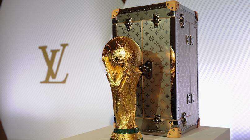 Le trophée de la Coupe du monde voyagera en classe luxe avec Vuitton