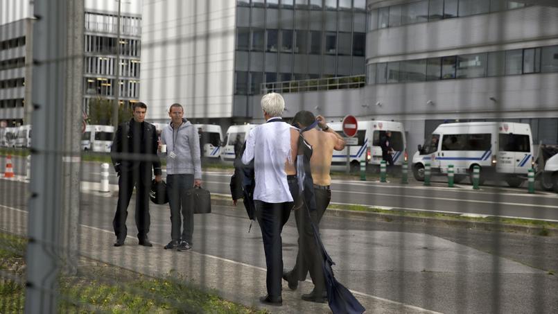 «Chemise arrachée» : décision rendue en appel ce mercredi pour les salariés d'Air France