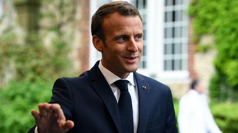 Téléfoot : Emmanuel Macron pour la dernière de Christian Jeanpierre sur TF1