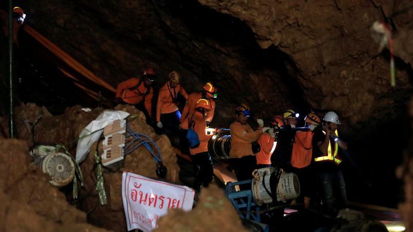 Hospitalisés, les jeunes footballeurs rescapés ne pourront aller au Mondial — Thaïlande
