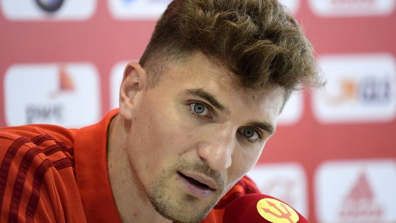 Il se chauffe avec une star du PSG sur Twitter — Denis Brogniart
