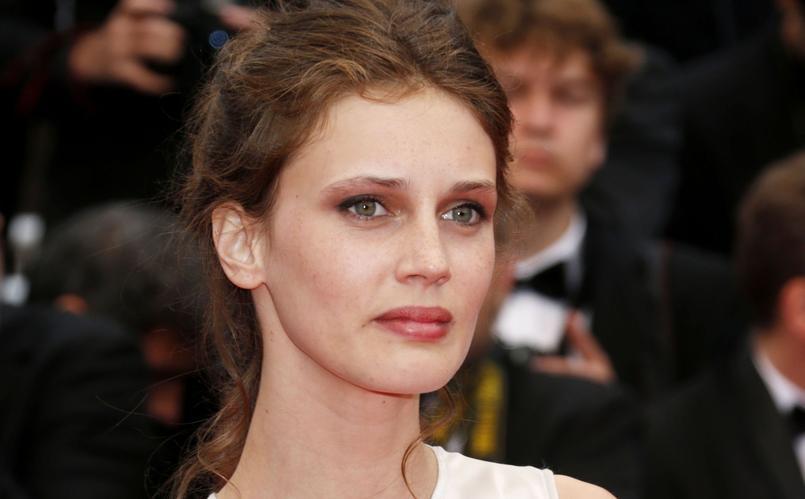 Marine Vacth arrive sur la Croisette pour la projection du film  Jeune et jolie (2013) .