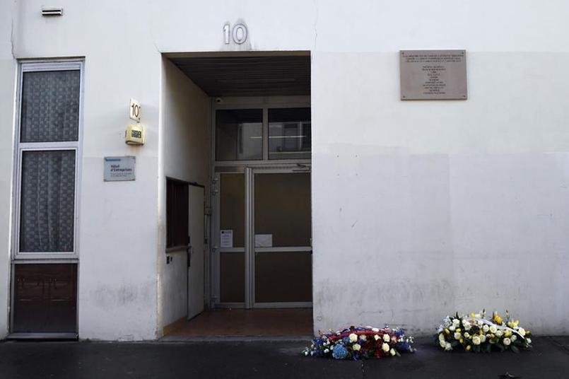 Les journalistes de Charlie Hebdo travaillent maintenant dans une nouvelle rédaction, donc l'adresse est tenue secrète.
