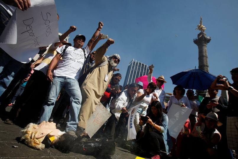 Mexique : des milliers de personnes manifestent contre Donald Trump
