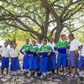 A Chem Chem et par le biais de la fondation LifeWildLive, Fabia Bausch et Nicolas Nègre développent des actions sociales comme ici, le parrainage de l'école Vilima Vitatu.